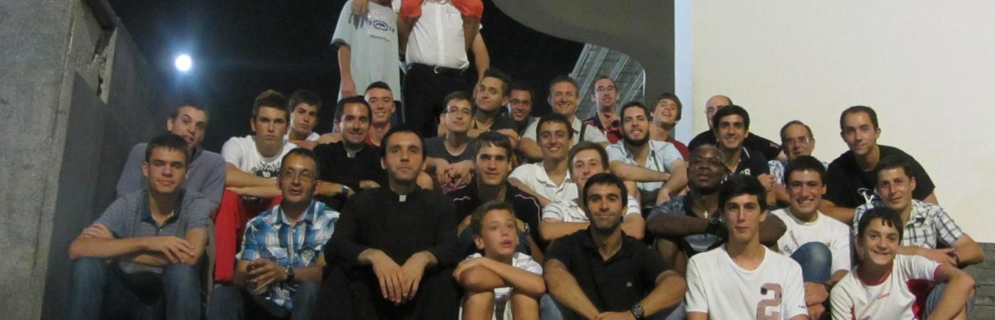 P. Juan María Sellas, mCR con un grupo de Jóvenes de San José en Barcelona
