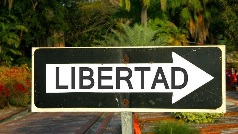 """Cartel con la palabra """"libertad"""""""